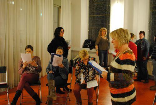 repetitie voor Kerst In Time 19 en 26 nov 2012 005