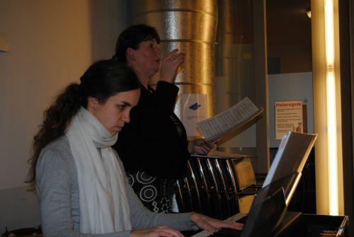 repetitie voor Kerst In Time 19 en 26 nov 2012 037