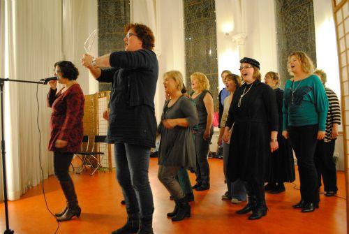 repetitie voor Kerst In Time 19 en 26 nov 2012 125